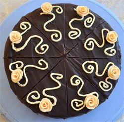 Cake-with-roses