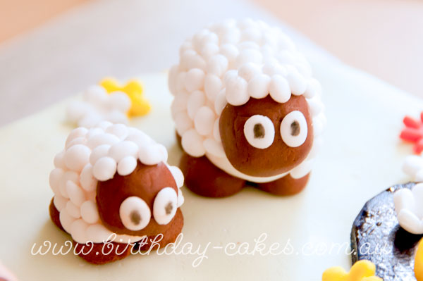 fondant sheep cake decorations