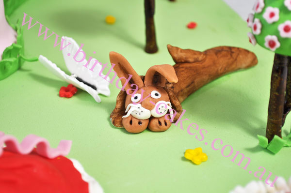 fondant rabbit decoration