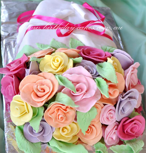 roses bouquette birthday cake
