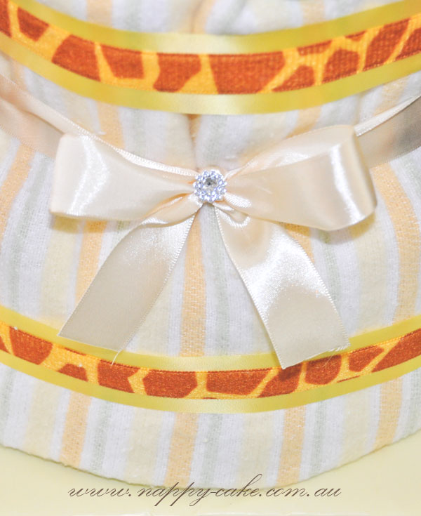 neutral nappy cake